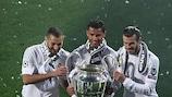 Karim Benzema, Cristiano Ronaldo und Gareth Bale nach dem Finalsieg von Real Madrid