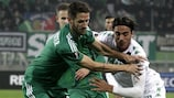Rapid's Christoph Schösswendter (left) tussles with Sassuolo forward Alessandro Matri on matchday three