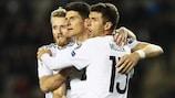 Mario Gomez celebra el 1-3 para Alemania