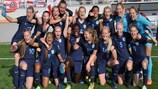 A Inglaterra celebra após bater a República Checa por expressivos 7-0