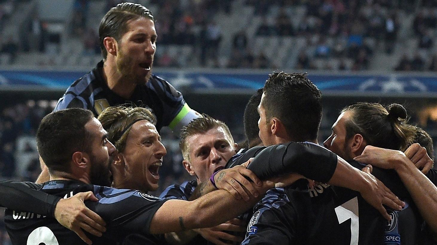 Bayern Real Stimmen