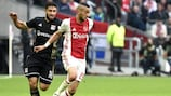 Nabil Fekir, del Lyon, y Hakim Ziyech, del Ajax