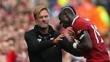 Jürgen Klopp si congratula con Sadio Mané, autore del gol vittoria del Liverpool contro il Crystal Palace