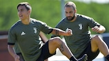 Paulo Dybala and Gonzalo Higuaín in training on Monday morning