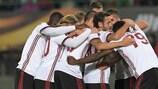 Milan feiert das dritte Tor gegen Austria Wien