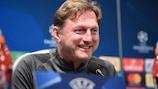 Leipzig-Trainer Ralph Hasenhüttl bei der Pressekonferenz