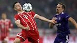 Le Bavarois Robert Lewandowski (à gauche) et Sven Kums (Anderlecht) lors de la première journée