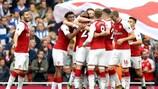Arsenal célèbre le but de Nacho Monreal