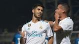 Marco Asensio festeja depois de marcar de penalty na vitória do Real Madrid' no terreno do Fuenlabrada, para a Taça de Espanha