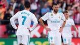 Karim Benzema e Cristiano Ronaldo mostram a sua desilusão após a derrota do Real Madrid frente ao Girona