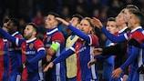 Os jogadores do Basileia festejam a vitória sobre o Manchester United na quinta jornada