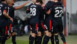 Los jugadores del Athletic celebran la clasificación para dieciseisavos de final