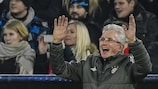 Jupp Heynckes no triunfo do Bayern sobre o Paris na fase de grupos
