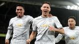 Nemanja Matić celebra o seu golo tardio que deu a vitória ao Manchester United