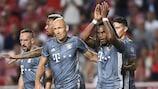Renato Sanches (segundo à direita) festeja após marcar pelo Bayern ao Benfica