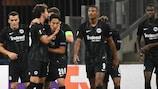 Les joueurs de l'Eintracht fêtent leur succès à Marseille lors de la première journée