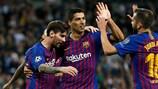"""O Barcelona comemora o seu quarto golo no terreno dos """"spurs"""""""