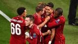 Roberto Firmino marcou o golo da vitória do Liverpool sobre o Paris nos minutos finais do encontro da primeira jornada