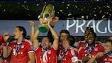 Em Praga, o Bayern disputou a primeira edição da Supertaça Europeia da UEFA deste século a ser realizada fora do Mónaco