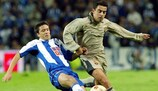Xavi Hernández (right) was in the Barça team that met Porto at the Estádio do Dragão in 2003