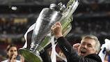 Carlo Ancelotti brandit à nouveau le trophée de l'UEFA Champions League