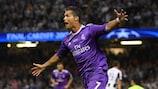 Cristiano Ronaldo del Real Madrid festeggia dopo aver segnato il terzo gol nella finale di UEFA Champions League contro la Juventus