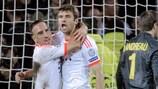 Franck Ribéry felicita a Thomas Müller