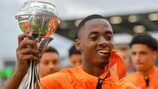 Melayro Bogarde with the trophy
