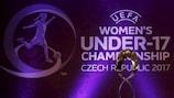 O troféu do Campeonato da Europa da UEFA feminino de Sub-17 antes do sorteio