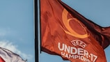 Banderas durante el Campeonato de Europa Sub-17 de la UEFA