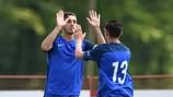 Amine Gouiri festeja com o jogador que fez a assistência para o seu nono golo na Croácia, Alexis Flips