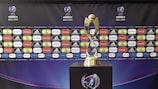 Il trofeo del Campionato Europeo femminile UEFA Under 17