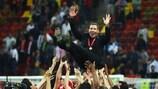 L'Atlético de Diego Simeone fête son triomphe à Bucarest