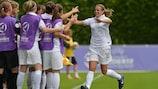 Sandie Toletti festeja após marcar o golo do empate na meia-final frente à Suíça