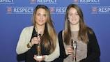 A espanhola Marta Turmo e a francesa Julie Marichaud com os respectivos prémios de Fair Play