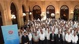 A foto de grupo da reunião em Paris