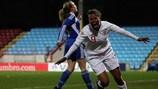 A inglesa Nikita Parris festeja depois de marcar o único golo do jogo com a Finlândia