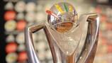 Le trophée de la Coupe des Régions de l'UEFA