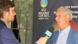 L'ambassadeur de la Coupe des Régions de l'UEFA Albertino Bigon lors du tirage au sort à Abano Terme