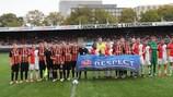 Feyenoord y Shakhtar participando en las acciones de la semana del 'Football People'