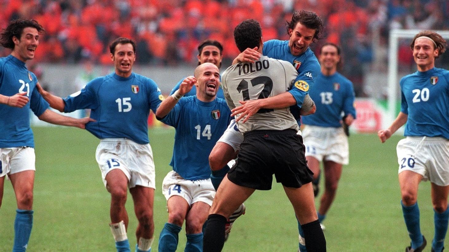 Italien hat die besseren Nerven bei der EURO 2000 | UEFA EURO 2020