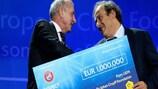 UEFA award boosts Cruyff Foundation