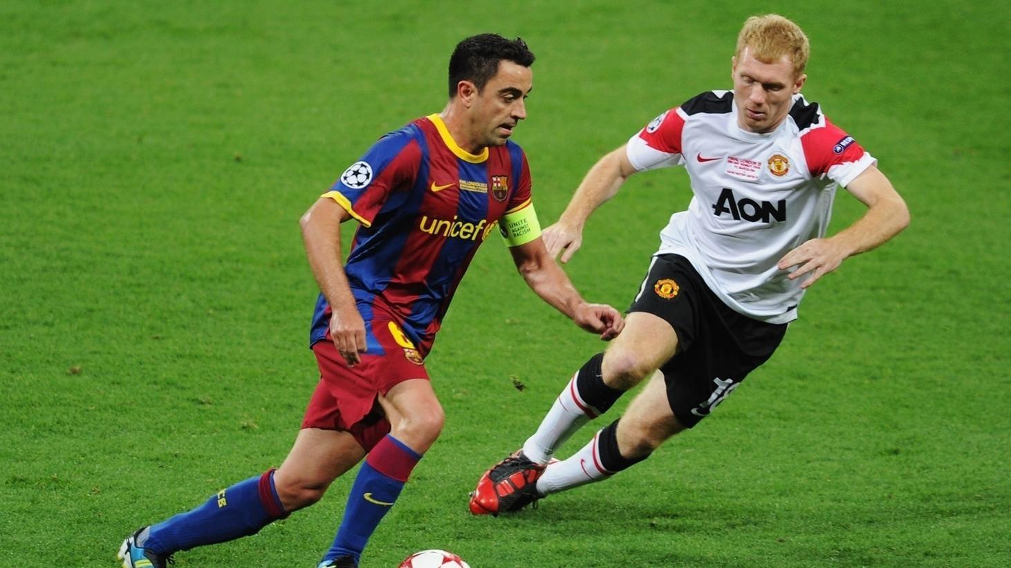 when barcelona s xavi met united hero scholes champions