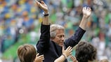 Jorge Jesus waves to fans during his presentation as Sporting coach