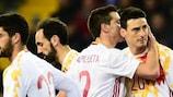 Aritz Aduriz est félicité par l'équipe d'Espagne
