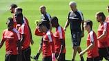 Vladimir Petković keeps an eye on his Switzerland players in training