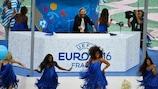 David Guetta in consolle alla cerimonia di apertura di UEFA EURO 2016