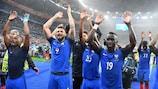 L'esultanza dei giocatori francesi dopo il 5-2 sull'Islanda