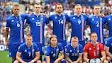 Os titulares da Islândia posam para a foto antes de um jogo neste UEFA EURO 2016