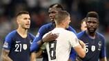Paul Pogba und Toni Kroos nach dem 0:0 zwischen Deutschland und Frankreich